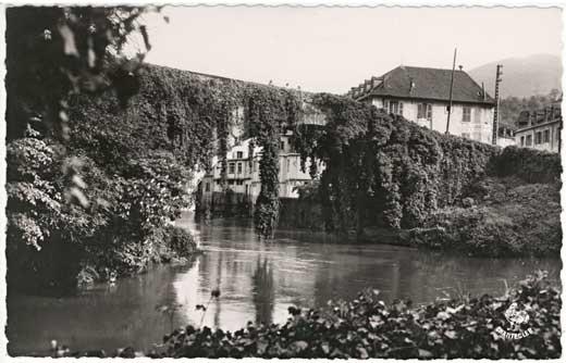 Lestelle Betharram - Cartes postales anciennes - Le vieux pont - Le vieux pont et le Gave de Pau
